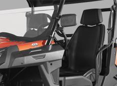 Анатомические сиденья с регулировкой положения водителя и ремни безопасности