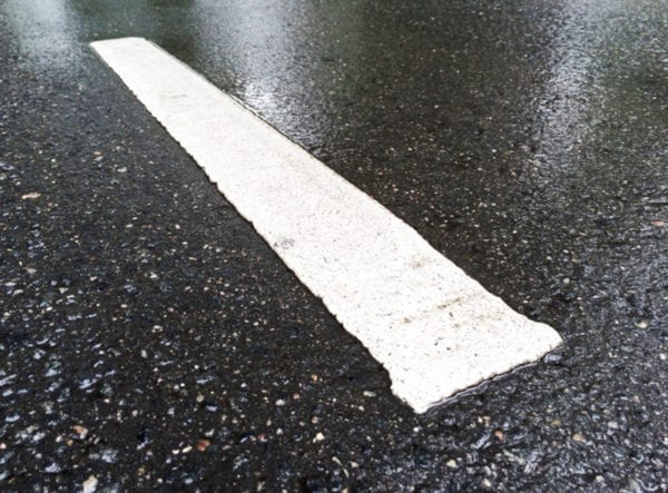 Дорожная разметка в дождь