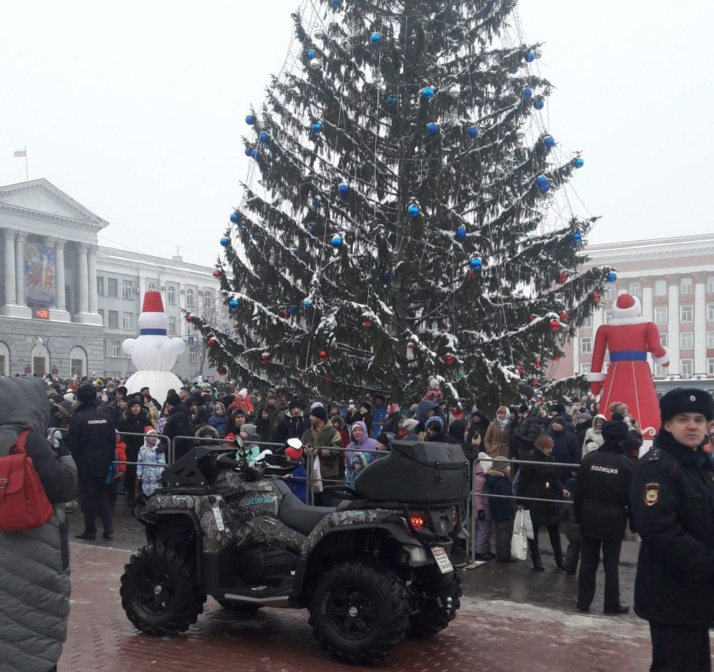 Шествие Дедов Морозов в Курске