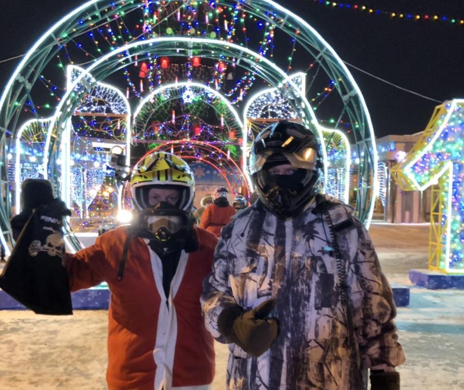 Тюменские квадроциклисты поздравили горожан с наступающим праздником!