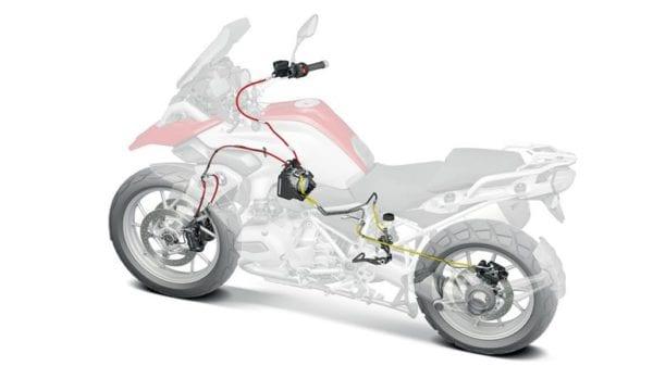 Правила использования переднего и заднего тормоза мотоцикла