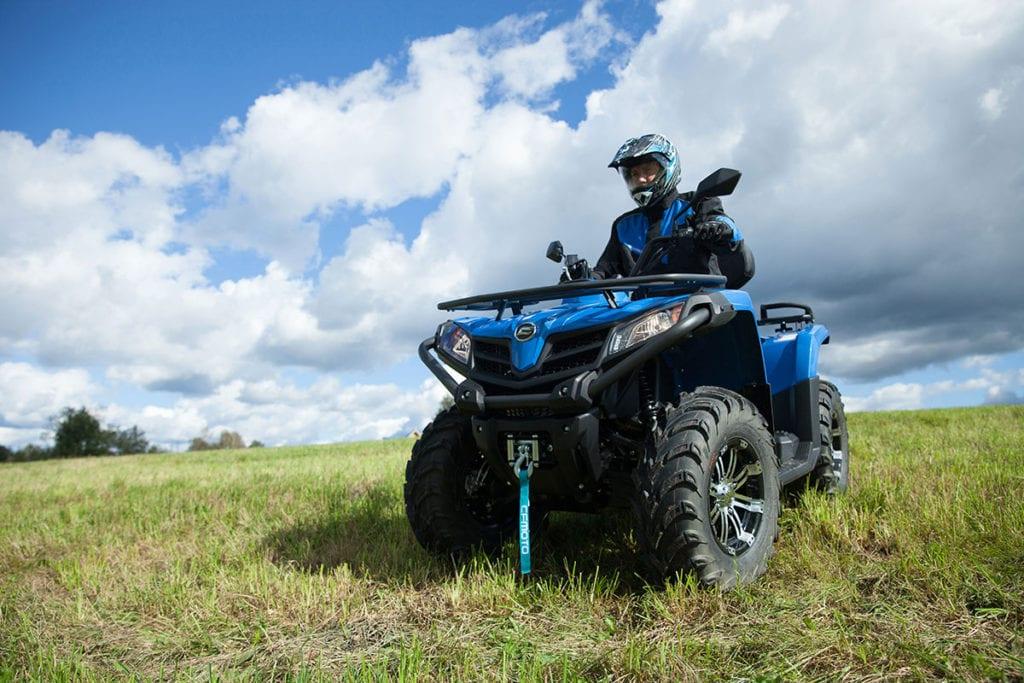 Квадроциклы CFMOTO с объемом двигателя 400 см3