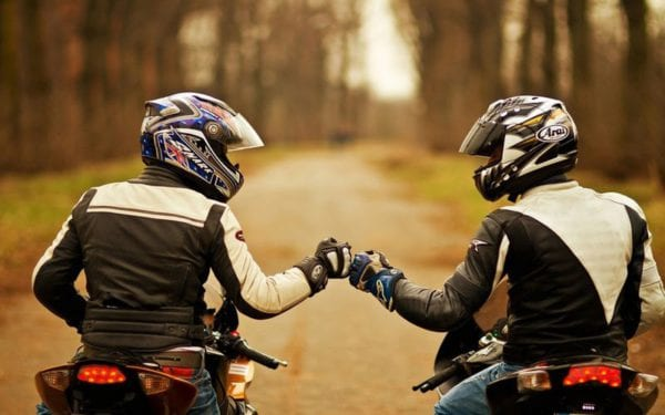 Что подарить мотоциклисту: список идей