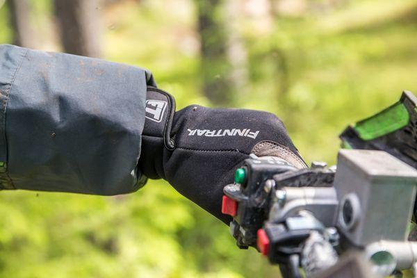 Перчатки для квадроцикла: как выбрать