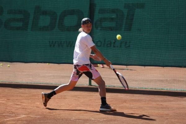 В Сестрорецке прошел детский теннисный турнир при поддержке дилера Мотореспект